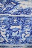 Il blu ed il bianco hanno dipinto le mattonelle ad una cappella a Oporto Immagine Stock Libera da Diritti