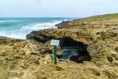 Il blu frana Dor HaBonim Beach Nature Reserve immagini stock
