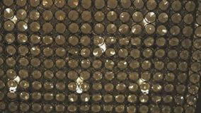 Il bokeh commovente accende - animazione astratta per fondo - i cerchi di luce che attraversano la forma della struttura da sinis video d archivio