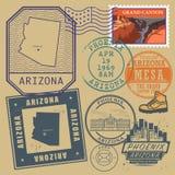 Il bollo ha messo con il nome e la mappa dell'Arizona royalty illustrazione gratis