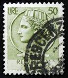 Il bollo italiano mostra la moneta antica di Siracusa, il ` della moneta di Syracusean del ` di serie, circa 1968 Fotografia Stock