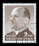 Il bollo stampato in Germania mostra il capo della Germania orientale dal 1950 al 1971 Walter Ulbricht Immagini Stock