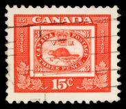 Il bollo stampato nel Canada mostra la riproduzione del primo bollo canadese Fotografia Stock