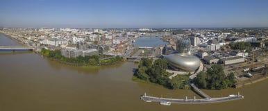 Il BORDEAUX, FRANCIA 6 giugno 2018 cita du Vin, museo del vino del fiume della Garonna del Bordeaux fotografia stock libera da diritti