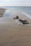Il bordo dell'acqua della spiaggia di Gili Islands Fotografia Stock