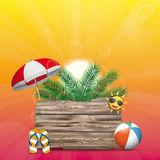 Il bordo di legno di Sun del cielo dell'estate Flip-Flops la palma del parasole Fotografia Stock