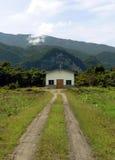 Il Borneo. Chiesa cristiana a distanza Fotografie Stock