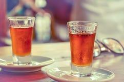 Il brandy georgiano tradizionale della polpa spremuta ha chiamato il cha-cha-cha, anche conosciuto come la vodka dell'uva o la gr immagini stock libere da diritti