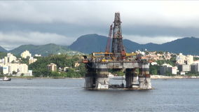 Il Brasile - olio Rig In Rio de Janeiro stock footage