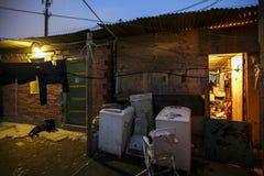 Il Brasile - San Paolo - La ONG Sermig - intervento cattolico in un piccolo favela fotografia stock libera da diritti