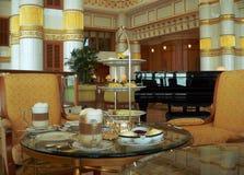 Il Brunei. Imposti la Tabella del Alto-Tè Immagini Stock Libere da Diritti