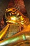 Il buddha di menzogne dorato in Wat Pho Fotografia Stock Libera da Diritti