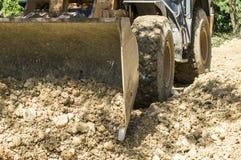 Il bulldozer crea la strada Fotografia Stock Libera da Diritti