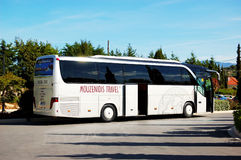 Il bus moderno per il trasporto dei turisti Fotografie Stock Libere da Diritti