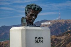 Il busto di James Dean a Griffith Observatory, Los Angeles fotografie stock