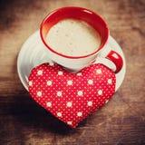 Il caffè è fatto con amore per il dolce uno. Immagini Stock