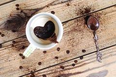 Il caffè bevente di mattina Ognuno ama il caffè Fotografia Stock