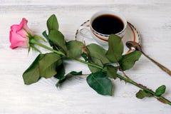 Il caffè ed è aumentato Immagini Stock