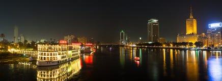 Il Cairo ed il Nilo centrali alla notte Fotografia Stock