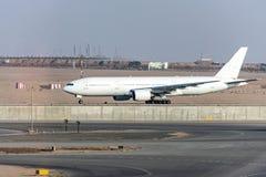 Il Cairo EGITTO - condizione dell'aeroplano dell'aria dell'Egitto alla posizione di parcheggio all'aeroporto internazionale di Ka immagini stock libere da diritti