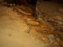 Il calcare precipita a cascata giù la caverna fotografia stock libera da diritti