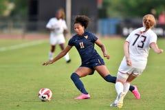 2015 il calcio delle donne del NCAA - WVU-Maryland Immagini Stock Libere da Diritti
