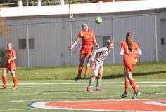 Il calcio delle donne di divisione III del NCAA dell'istituto universitario Fotografia Stock Libera da Diritti