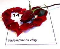 Il calendario di giorno dei biglietti di S. Valentino con singolo è aumentato Fotografie Stock Libere da Diritti