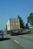 Il camion si muove con traffico Fotografia Stock Libera da Diritti