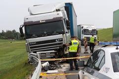 Il camion stava andando da Salaspils a Kekava, Ford stava andando per Fotografie Stock Libere da Diritti