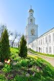 Il campanile del monastero di Yuriev in Veliky Novgorod, Russia Fotografie Stock Libere da Diritti