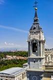 Il campanile della cattedrale di Almudena Fotografie Stock