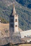 Il campanile della chiesa romana di Beaulard del castello Immagini Stock Libere da Diritti