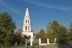 Il campanile di vecchia chiesa Fotografia Stock Libera da Diritti