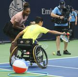 il campione Serena Williams del Grande Slam 23-time partecipa all'US Open di Arthur Ashe Kids Day prima del 2018 immagine stock libera da diritti