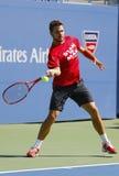 Il campione Stanislas Wawrinka del Grande Slam pratica per l'US Open 2014 a Billie Jean King National Tennis Center Fotografie Stock Libere da Diritti