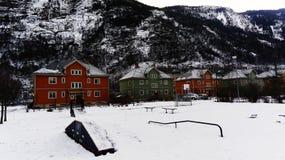 Il campo da giuoco ha sopraffatto la neve Fotografia Stock