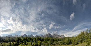 Il Canada Rocky Mountains Panorama immagini stock