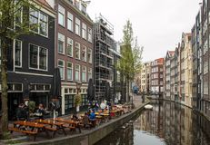 Il canale alloggia in rosso il distretto leggero, Amsterdam, Paesi Bassi, Europa Fotografia Stock