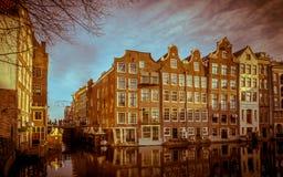 Il canale di lungomare alloggia il retro sguardo di Armbrug Amsterdam Immagine Stock Libera da Diritti