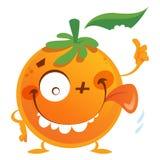 Il carattere arancio della frutta del fumetto pazzo che rende pollici aumenta il gesto Fotografia Stock