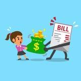Il carattere e la donna di affari di pagamento della fattura del fumetto fanno il conflitto con la borsa dei soldi Fotografie Stock Libere da Diritti