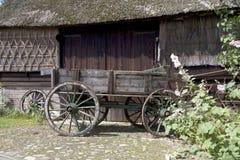 Il carrello dei coltivatori corrisponde ad un'azienda agricola in Gees Immagine Stock