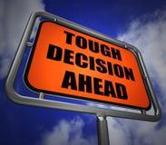 Il cartello di decisione difficile avanti significa l'incertezza ed il Ch difficile Fotografie Stock Libere da Diritti