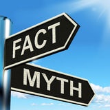 Il cartello di mito di fatto significa le informazioni corrette o sbagliate Immagini Stock