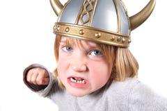 Il casco del bambino del Vichingo ha isolato Immagini Stock