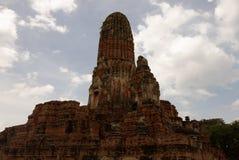 Il castello antico con il piedistallo rovinato Fotografia Stock Libera da Diritti