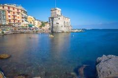 Il castello antico sul mare, Rapallo, Genoa Genova, Italia Foto lunga di esposizione fotografie stock libere da diritti