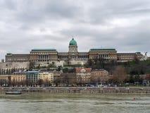 Il castello di Buda a Budapest un giorno nuvoloso Fotografia Stock Libera da Diritti