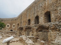 Il castello di Chlemoutsi (castello Clermont) - pareti di interno tiene - il Peloponneso immagine stock libera da diritti